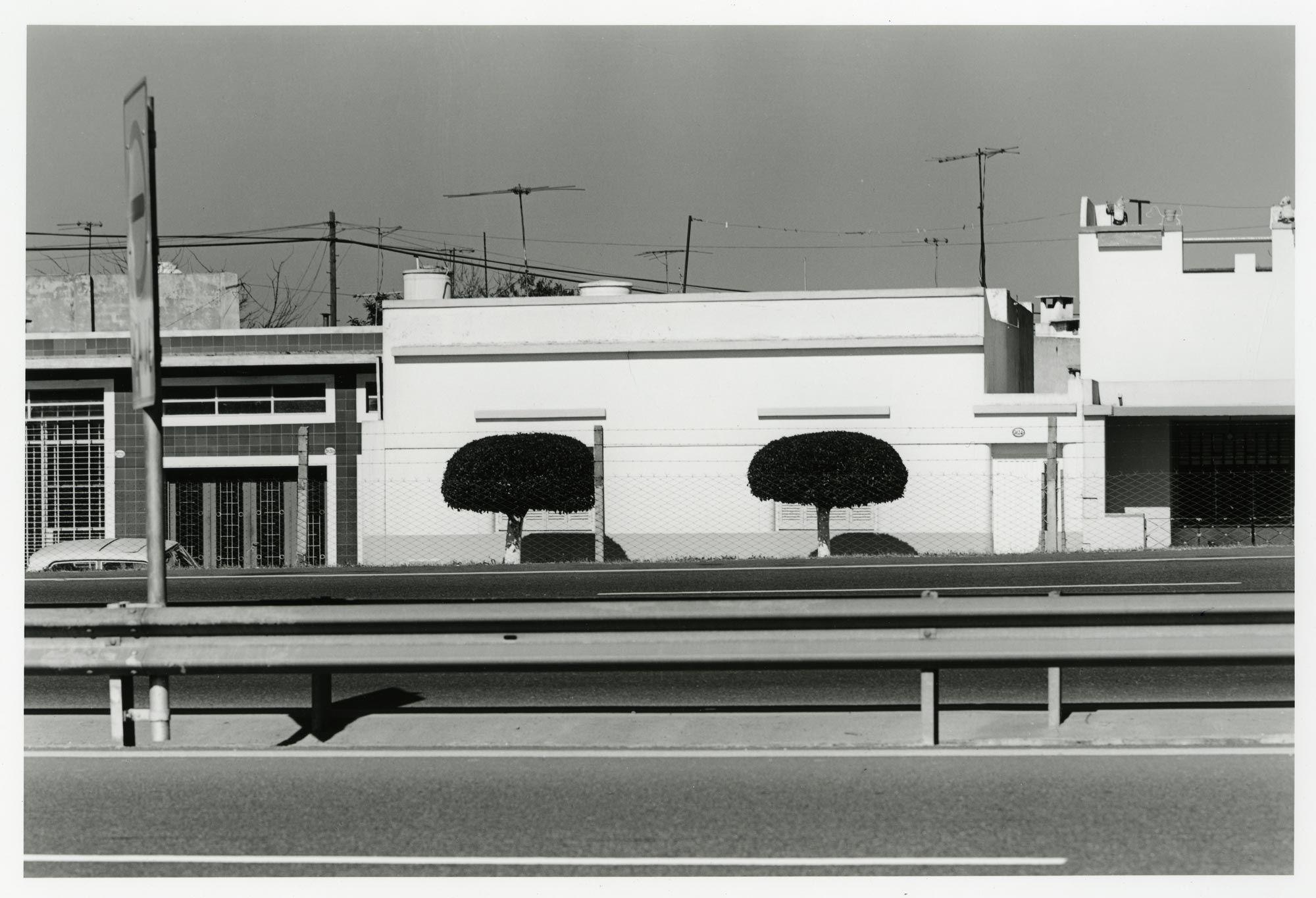 Casita en la autopista, Liniers, 1984